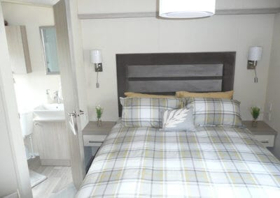 Willerby Regal Kensington OH Double Bed