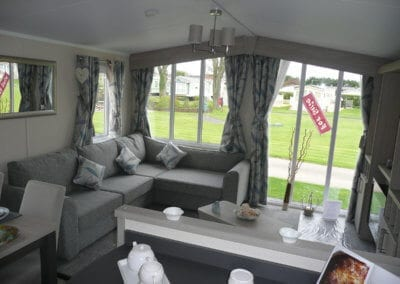 Willerby Regal Kensington OH Lounge