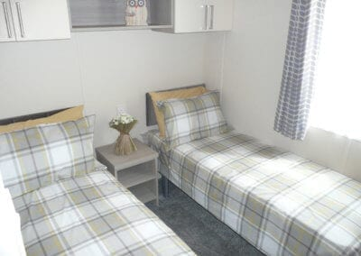 Willerby Regal Kensington OH Twin Bed