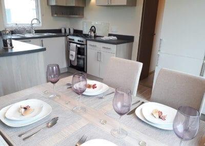 YHHP 2018 Regal Kensington Mk5Kitchen Diner
