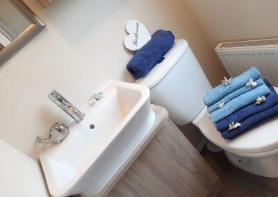 2017 Regal Harlington YHHP Bathroom 2