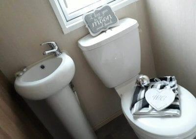 pre-owned 2013 ABI Alderley Bathroom 2