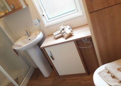 YHHP Carnaby Cadcade MB1 Bathroom 1