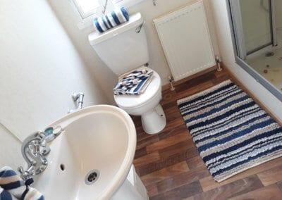 2010 Carnaby Melrose Bathroom 2