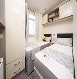 OH Arronbrook Scenic Bedroom Apr19
