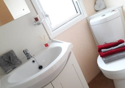 YHHP 2008 Willerby Aspen Bath1