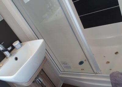 YHHP 2018 Swift Antibes Bath2