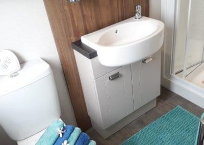 YHHP 2019 Willerby Sheraton Bathroom 2