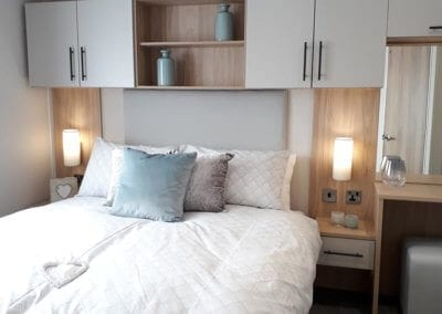 YHHP 2019 Willerby Manor Double Bed