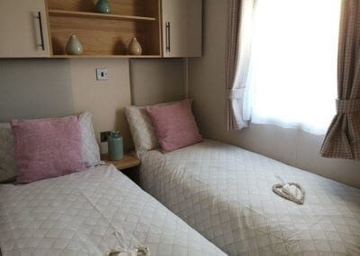 YHHP 2020 Willerby Manor Twin Bed